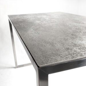 stoły/ biurka